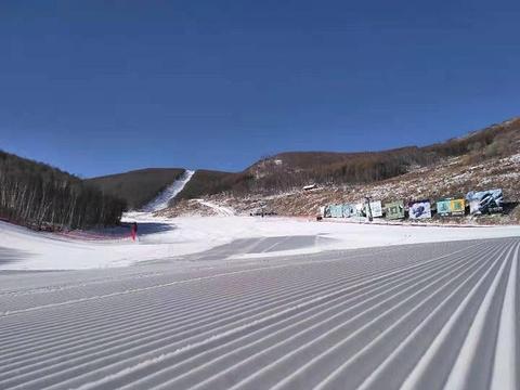 张家口多乐美地滑雪场旅游景点图片