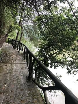 天烛湖仙境景区