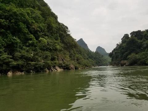 荔波水春河漂流旅游景点图片